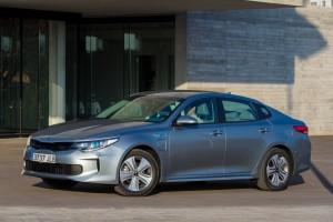 Kia Optima Hybrid 2017: nuevo motor y más eficiencia