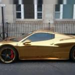 Ferrari en oro