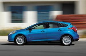 Ford Focus eléctrico 2017: ahora con 225 km de autonomía.