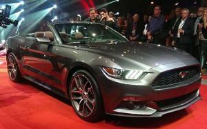 Ford Mustang Convertible 2017: pequeños cambios para el exitoso deportivo.