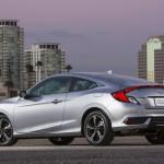 Honda Civic Coupé 2017: Para Estados Unidos tiene estos precios (•LX 2.OL 6TM: $19,150) (•LX 2.0L CVT: 19,950) (•LX-P 2.0L CVT: $20,950) (•EX-T 1.5L Turbo 6TM: $21,600) (•EX-T 1.5L Turbo CVT: $22,400) (•EX-L 1.5L Turbo CVT: $23,525) (•Touring 1.5L Turbo CVT: $26,225)
