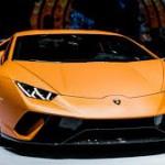 Lamborghini Huracán Performante: El Lamborghini Huracn Performante ha batido un récord muy especial y que lo situará entre la élite de los superdeportivos: su vuelta rápida en Nürburgring tiene un tiempo de 6:52.01 min, tiempo con el que supera incluso al Porsche 918 Spyder, el modelo que actualmente posee el récord (6 minutos y 57 segundos).