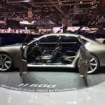 Pininfarina H600:Es un sedán de lujo y alto rendimiento que nace de un proyecto colaborativo entre Hybrid Kinetic Group y Pininfarina. En él se ve plasmado todo lo que se espera de un sedán. TYiene una longitud similar a la del Mercedes Clase C o la del BMW 7 Series:  5,20 metros de largo y 2 metros de ancho, pero sí, los mide. A pesar de que su carrocería es de aluminio este prototipo pesa 1,800 kg, esto se debe en parte a su turbina y sus baterías.
