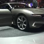 """Pininfarina H600: Hasta ahora solo se sabe que tiene un sistema híbrido compuesto por """"motores eléctricos"""" y una """"microturbina"""", suponemos que sea de gas como en el Jaguar C-X75, que permite alimentar en energía los motores eléctricos. Pininfarina habla de una potencia de 600 kW (más de 800 CV) y de un 0 a 100 km/h en 2,9 s con una autonomía de más de 1.000 km. Tendrá una velocidad máxima de 249 km/h, esto significa que sería tan potente como el próximo Mercedes AMG GT de cuatro puertas."""