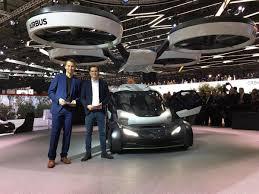 Salón de Ginebra 2017: Pop.Up, un carro volador de servicio público.