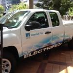 VIA V-Trux: Al tratarse de un vehículo eléctrico, presenta un paquete de baterías de ion de litio de 23 kWh, que según el fabricante, son suficientes para un recorrido de 40 millas con cero emisiones. A ello se le acopla un motor a gasolina, un V6 de 4.3 litros, que únicamente entra en funcionamiento cuando es requerido para recargar las baterías. Se anuncia una autonomía extendida totaliza más de 400 millas. Su precio es de $65,000 dólares.