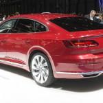 Volkswagen Arteon Gran Turismo: Otras alternativas son el Alfa Romeo Giulia, Audi A5 Sportback, BMW Serie 4 Gran Coupé, Kia Stinger GT, Mercedes-Benz Clase CLA y el Opel Insignia Grand Sport. Su precio no ha sido confirmado.