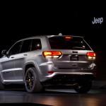 Jeep Grand Cherokee Trackhawk 2018: Se distingue por las entradas de aire, los rines de 20 pulgadas, el sistema de escape con cuatro salidas y el kit aerodinámico. Su precio no ha sido confirmado.
