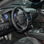 Interior del Maserati Ghibli Nerissimo.