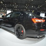 """Maserati Ghibli Nerissimo Edition: Este deportivo se destaca por el color negro impuesto en gran parte de los elementos que lo componen, de ahí que tome el nombre de Nerissimo expresión italiana que significa """"extremadamente negro."""""""