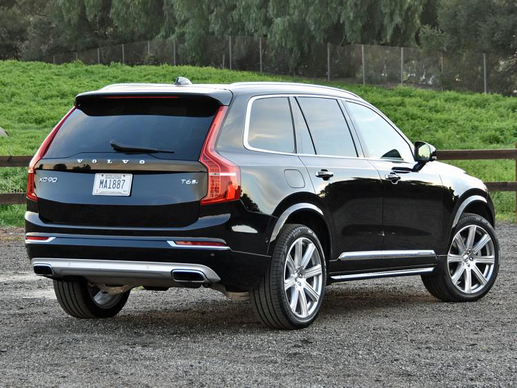 volvo xc90 2017 dise o poder eficiencia y seguridad lista de carros. Black Bedroom Furniture Sets. Home Design Ideas