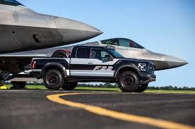 Ford F-22 F-150 Raptor, una edición única subastada en 300 mil dólares