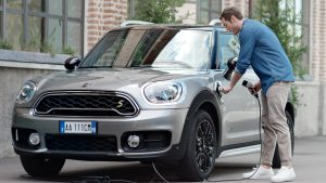 Mini Cooper S E Countryman ALL4 Híbrido enchufable 2018: belleza, lujo y eficiencia