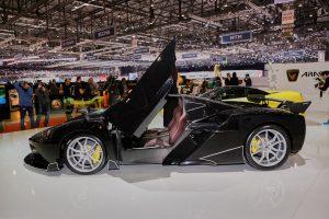 Top 15: los carros modernos más potentes del mundo