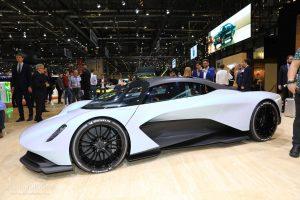 """Aston Martin AM-RB 003, Tecnología y 1,000 CV para """"El hijo del Valkyrie""""."""