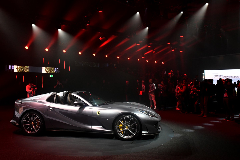 Ferrari 812 Gts 2020 El Convertible Mas Rapido Del Mundo Lista De Carros