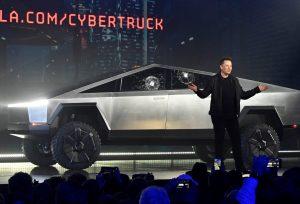 Tesla Cybertruck, una futurista camioneta eléctrica a prueba de balas