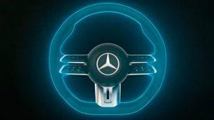 Mercedes-Benz presenta al volante Capacitivo que detecta si quitamos las manos del mismo