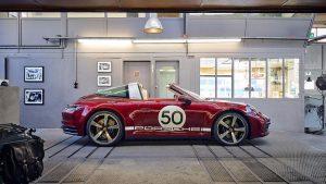 Porsche 911 Targa Heritage Design Edition: Para evocar los Porsche de los años 50 y 60.