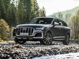 Audi SQ7 2021: Una lujosa SUV con más de 500 CV y una dinámica de conducción superior.