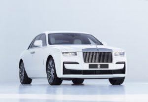 Rolls-Royce Ghost 2021: Lujoso, fuerte, ágil y espacioso.