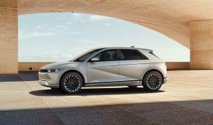 Hyundai IONIQ 5: Una SUV eléctrica con 480 km de autonomía y una  carga ultrarápida de 800 V.