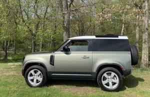 Land Rover Defender 90 2022: Una SUV elegante, lujosa y con capacidades off-road.